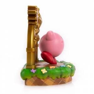 Kirby with Gold Villa [Mame Gyorai]